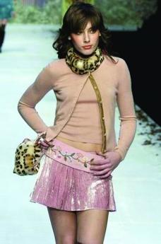 米兰2004女装秋冬新品发布会0210