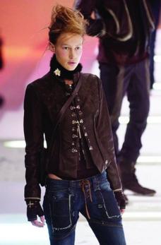 巴黎2004男装冬季发布会0261