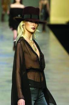米兰2004女装秋冬新品发布会0237