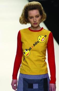 伦敦2004女装秋冬新品发布会0001
