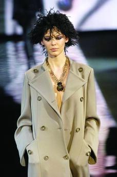 米兰2004女装秋冬新品发布会0285