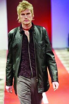 巴黎2004男装冬季发布会0416