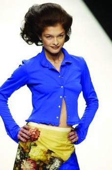 伦敦2004女装秋冬新品发布会0005