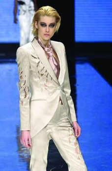 米兰2004女装秋冬新品发布会0511