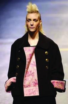 巴黎2004男装冬季发布会0327