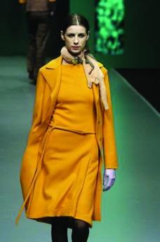 米兰2004女装秋冬新品发布会0046