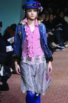 米兰2004女装秋冬新品发布会0382