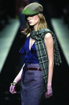 米兰2004女装秋冬新品发布会0339